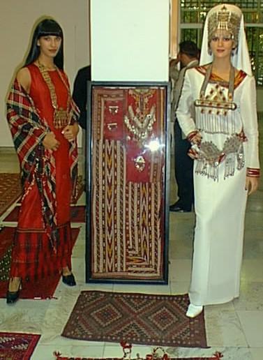 من الملابس التقليدية للمراة التركمانية Sergi012