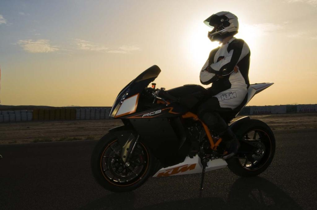 KTM 1000 RC8 RC8R  Big_kt11