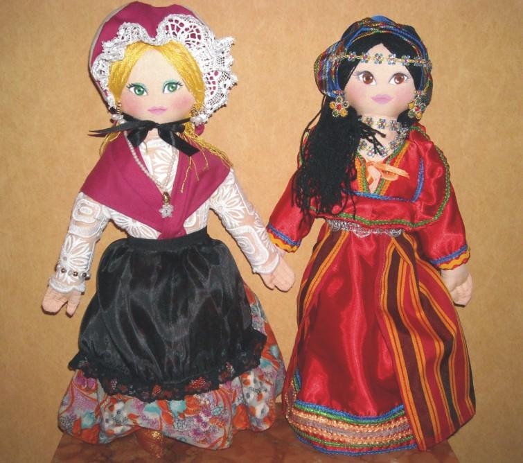 Pour commencer la serie des poupées regionales - Page 2 Bourbo19