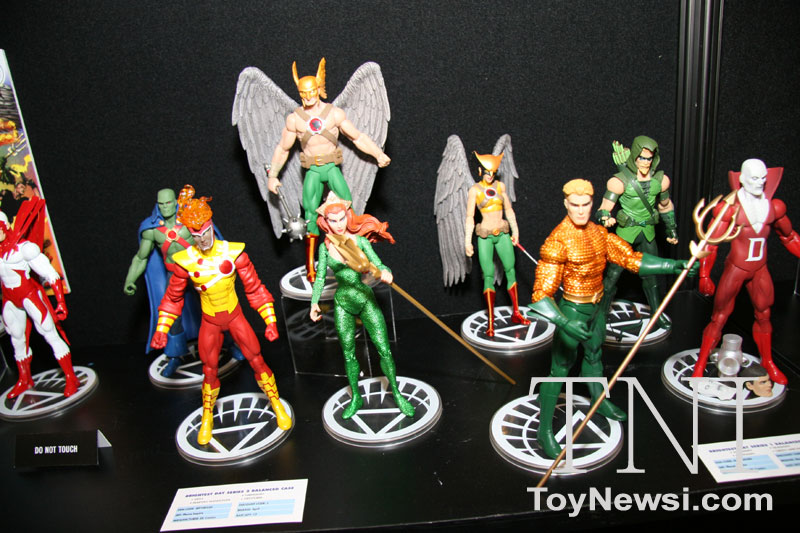 DC direct Toy Fair 2011 Img_3312