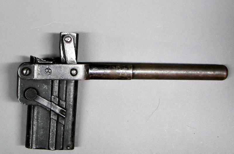 La P-Kasten : accessoire du luger dit d'artillerie (ou LP14) et du MP18/1 Aeg_ga10