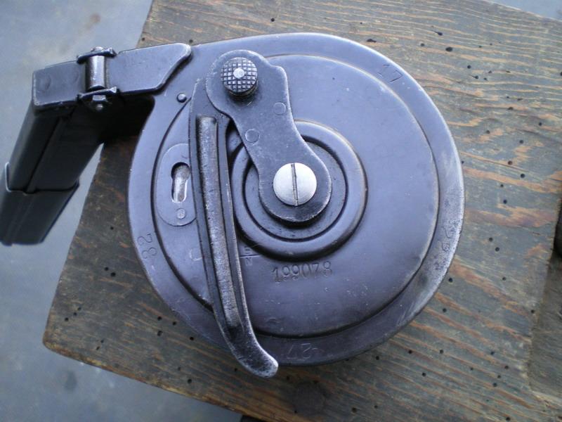 La P-Kasten : accessoire du luger dit d'artillerie (ou LP14) et du MP18/1 Bing_c10