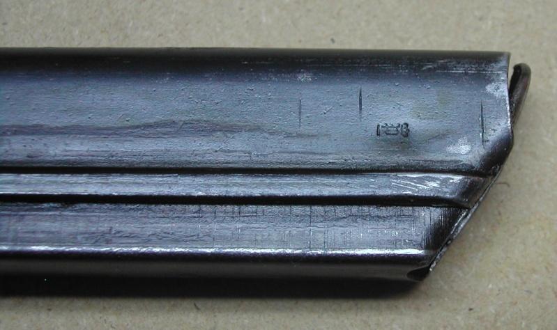 La P-Kasten : accessoire du luger dit d'artillerie (ou LP14) et du MP18/1 P_cour10