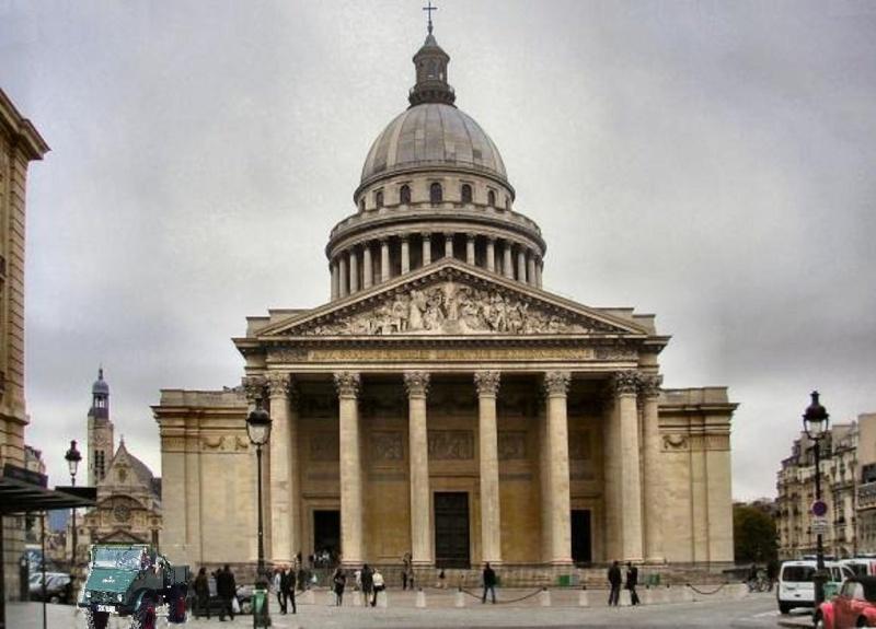 PV de stationnement gênant sur trottoir à Paris avec 411 Panthe10