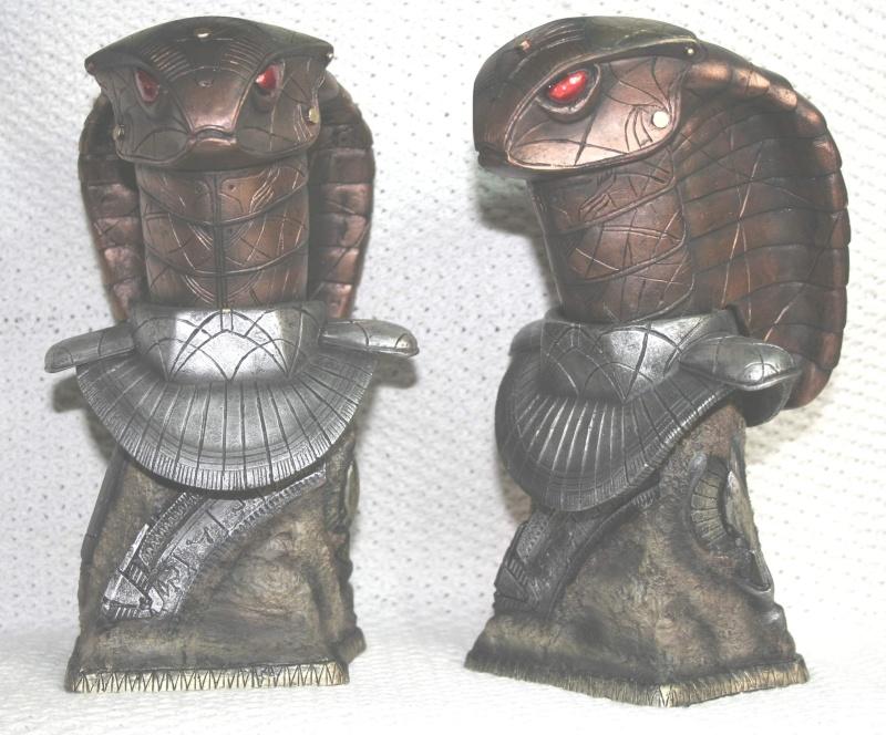 STARGATE buste garde serpent  Sans_t15