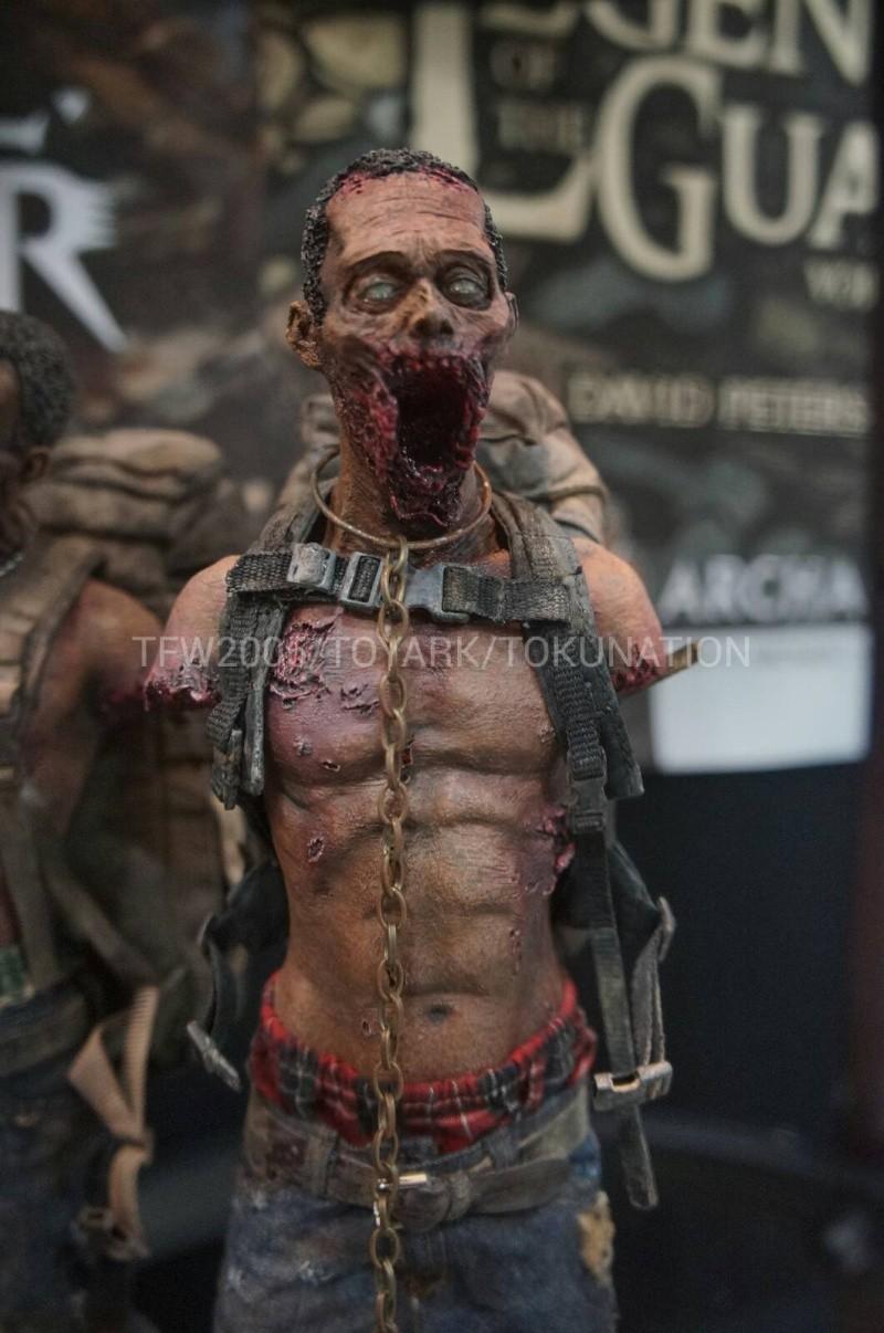 "THE WALKING DEAD "" Figurines OFFICIELLES ""  Dsc03310"