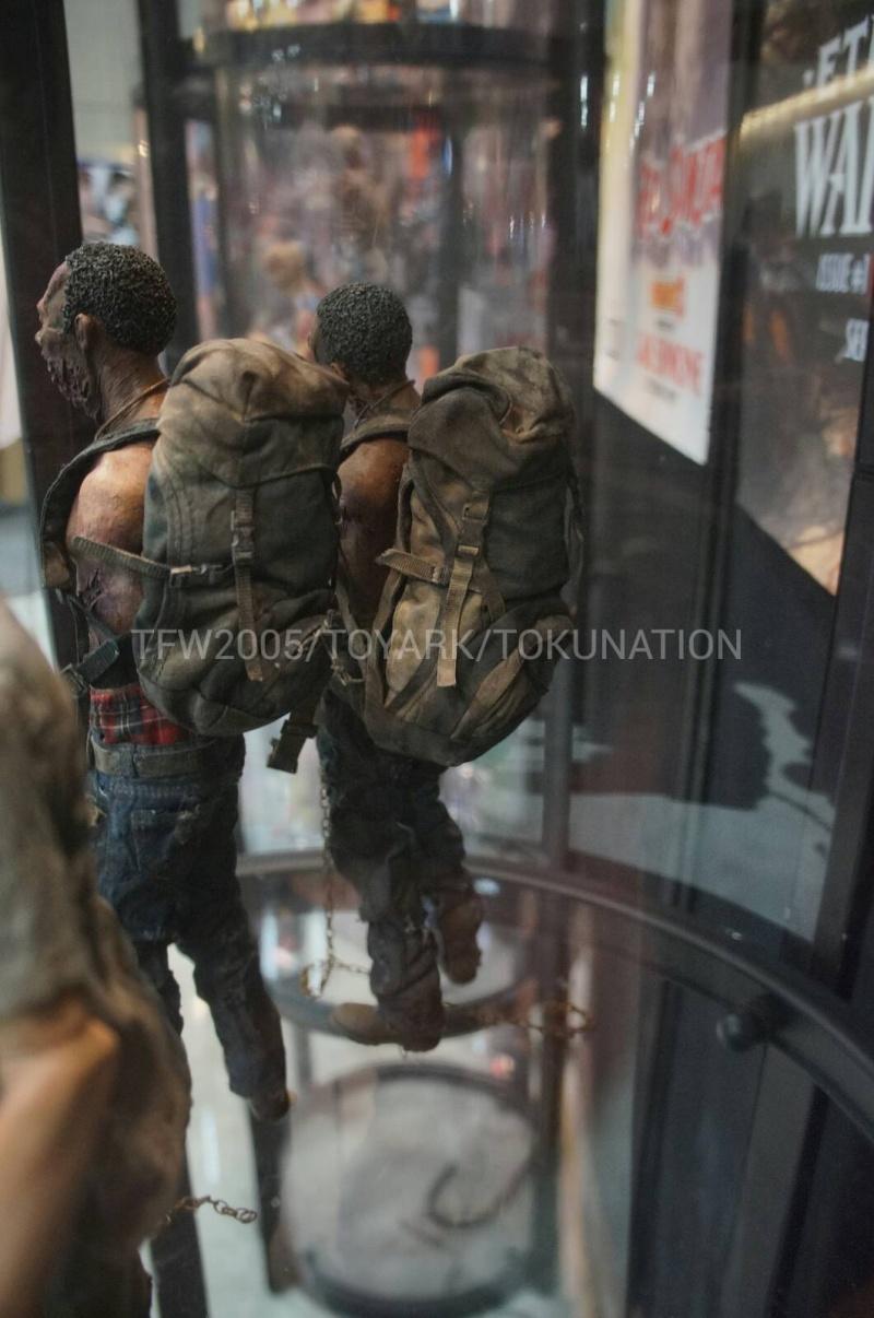 "THE WALKING DEAD "" Figurines OFFICIELLES ""  Dsc03316"