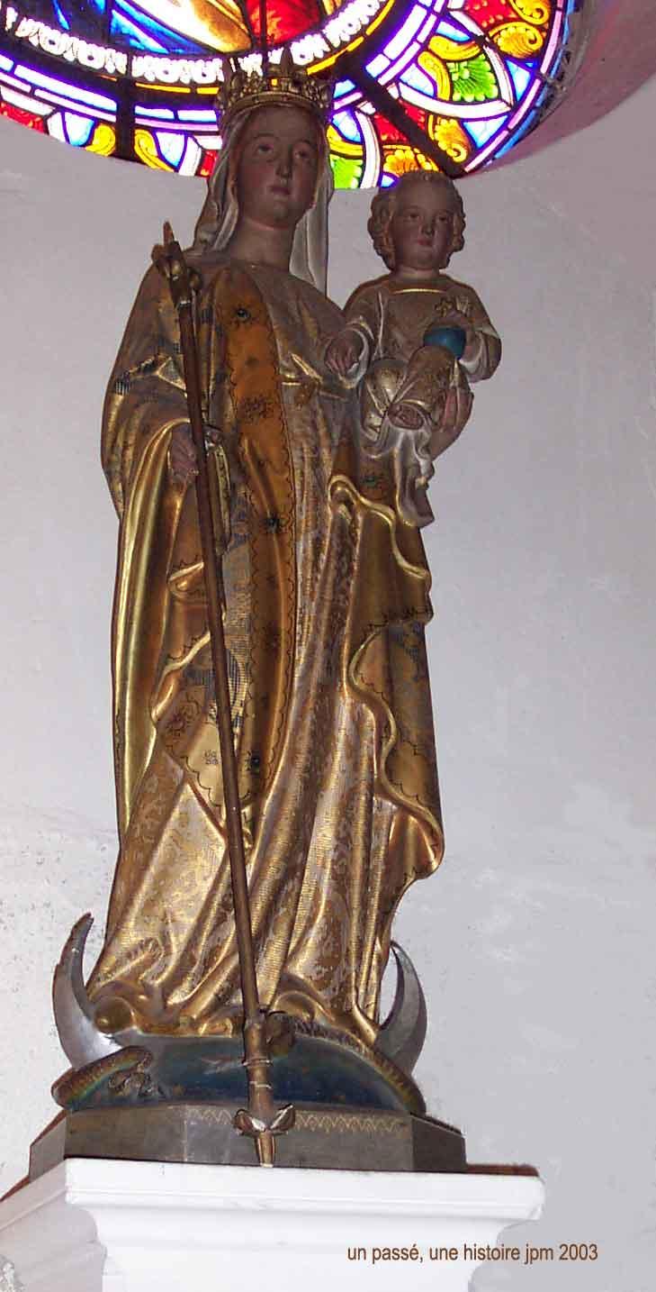 Pendentif-statuette  du XVIIe siècle - Vierge couronnée sur croissant de lune Eglise10