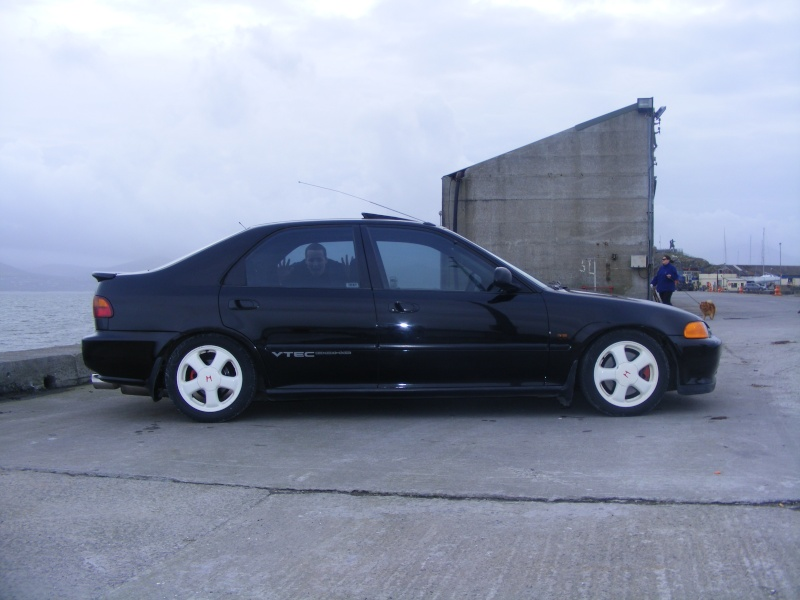 could someone photoshop these wheels onto my eg9  Dscf1621