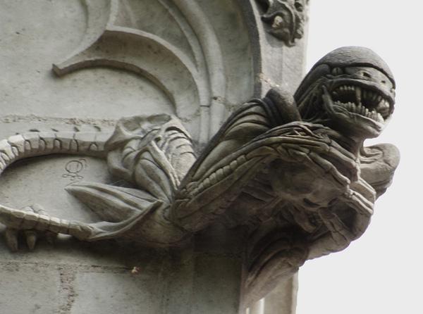 Une sculpture / un sculpteur en passant - Page 3 Chapel13