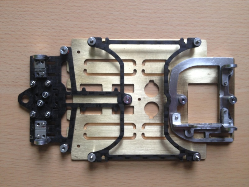 A vendre chassis DOSLOT OBG 1/24 LMP Img_3211