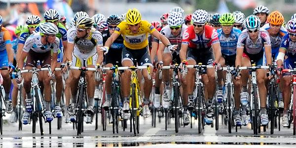 El ciclismo vuelve con bronca por el pinganillo 12783510