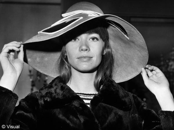 Françoise et ses chapeaux Capeli10