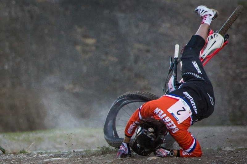 énorme crash d'Anneke Beerten! 12399810