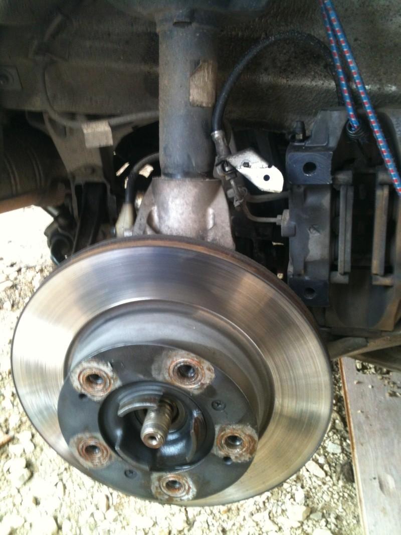 Remplacement roulement de roue sur 986 210