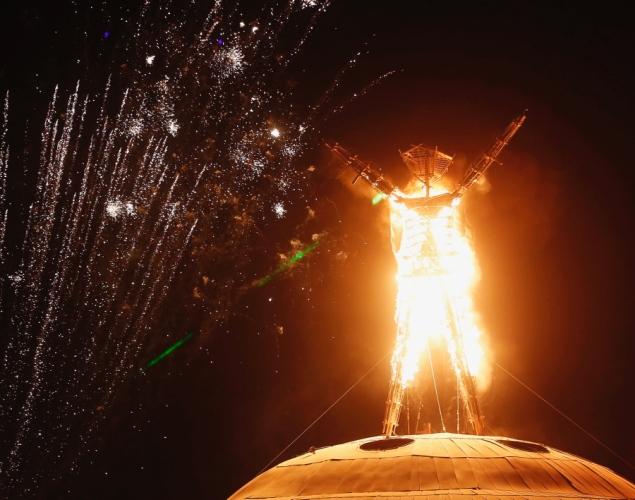 The Burning Man festival - Page 2 Burnin12