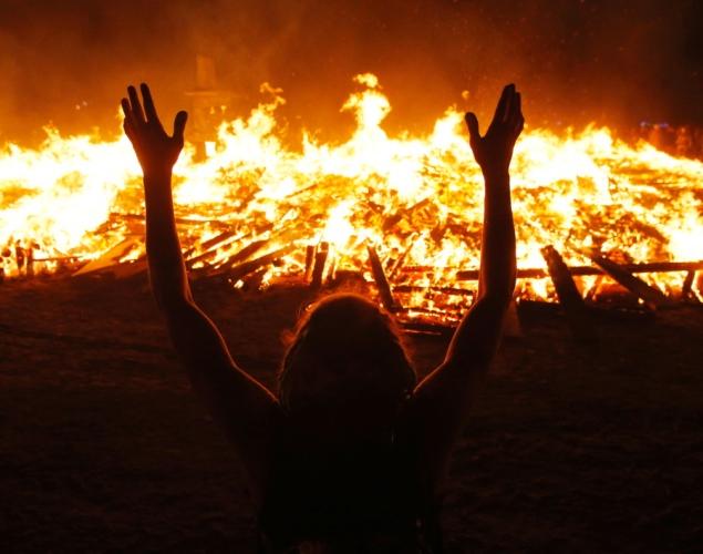 The Burning Man festival - Page 2 Burnin13