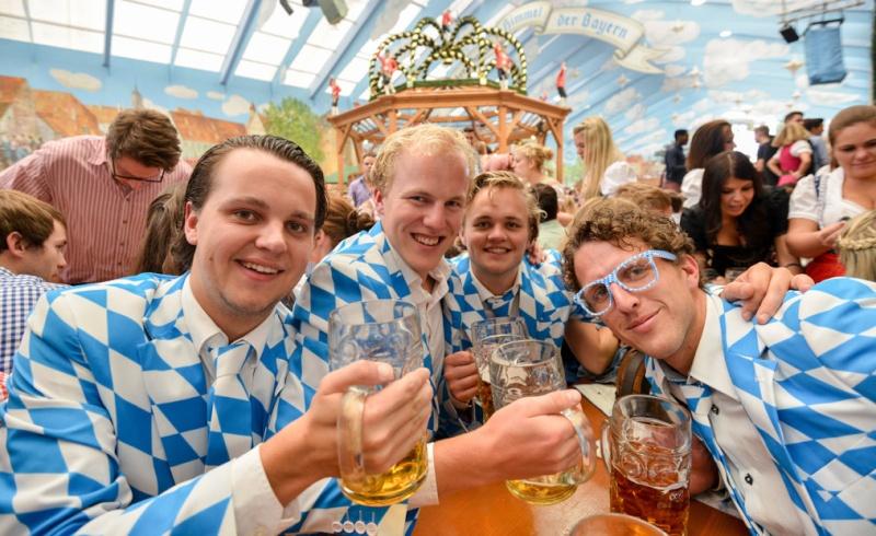 Oktoberfest in Munich F0511510