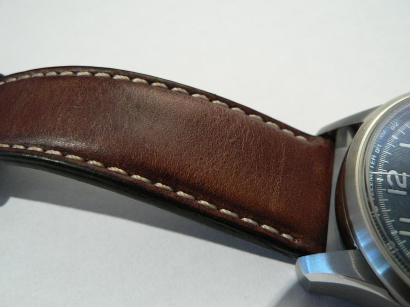 Bracelet cuir qui vieillit mal... P1060113