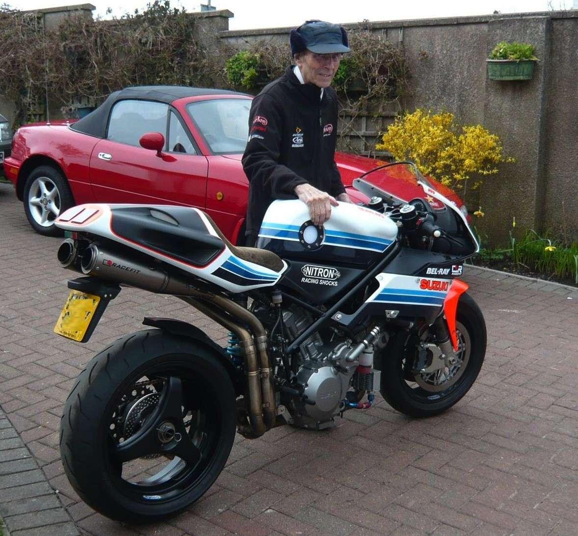 Steve Elliott bike  P1030310
