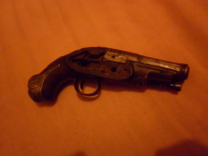 pistolet de voyage espagnol mi-XVIIIe P1010436