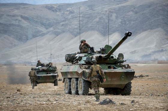 Afghanistan : Un char AMX-10 RC déclenche l'explosion d'une bombe artisanale Amx10-10