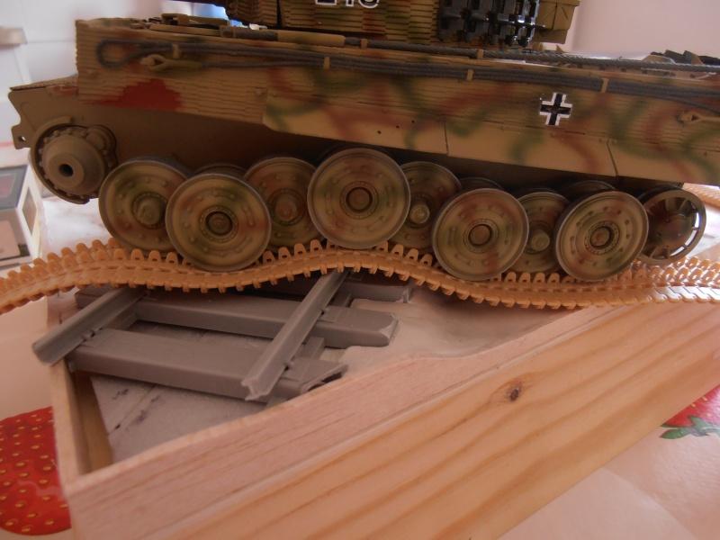Tiger I ausf E  ( le diorama ) - Page 3 P4181713