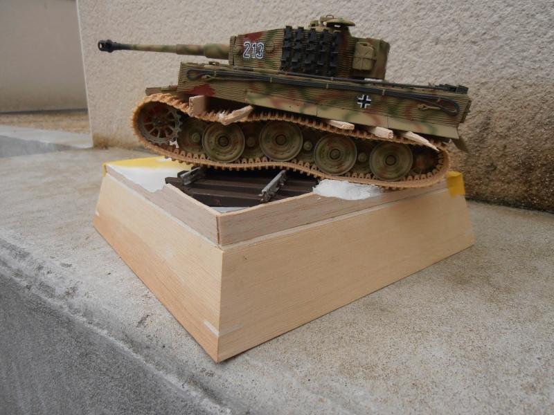 Tiger I ausf E  ( le diorama ) - Page 3 P4191710