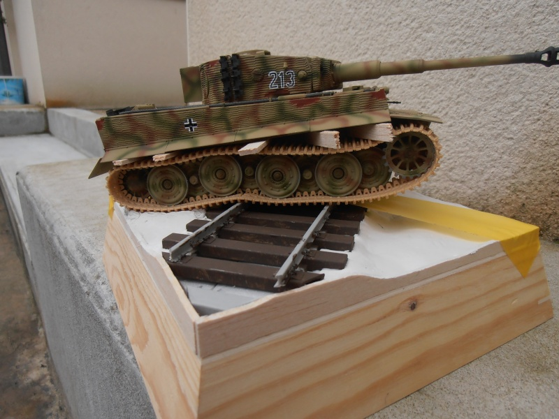 Tiger I ausf E  ( le diorama ) - Page 3 P4191711