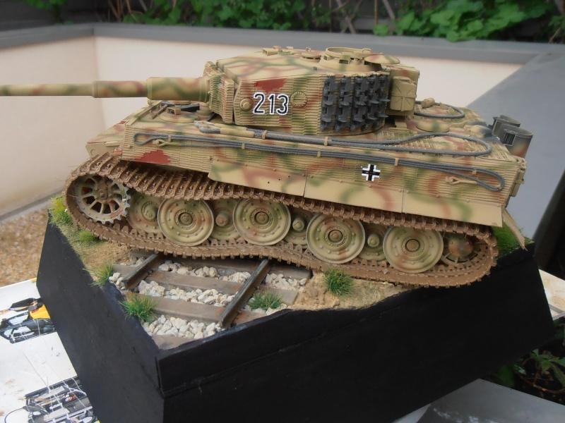 Tiger I ausf E  ( le diorama ) - Page 3 P4201712
