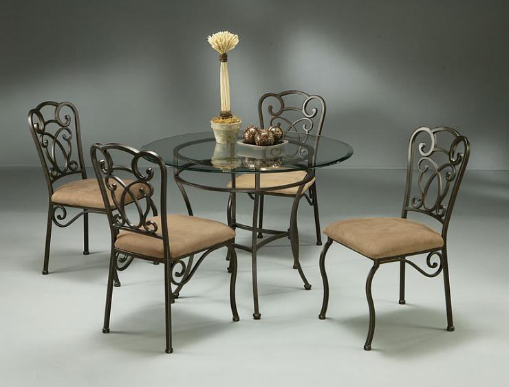 طاولات جديدة لغرف الطعام E3d27410