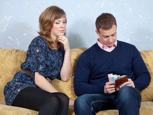 الرجل يؤيدون مشاركة زوجته بدفع الفاتورة! Fininc10