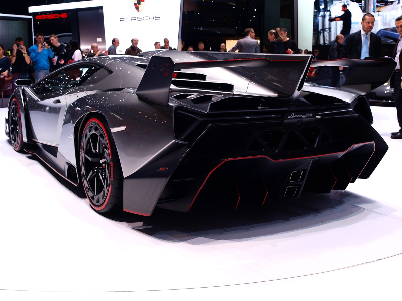 Genève, voitures que l'on ne pourra jamais se payer !!! Jb156619