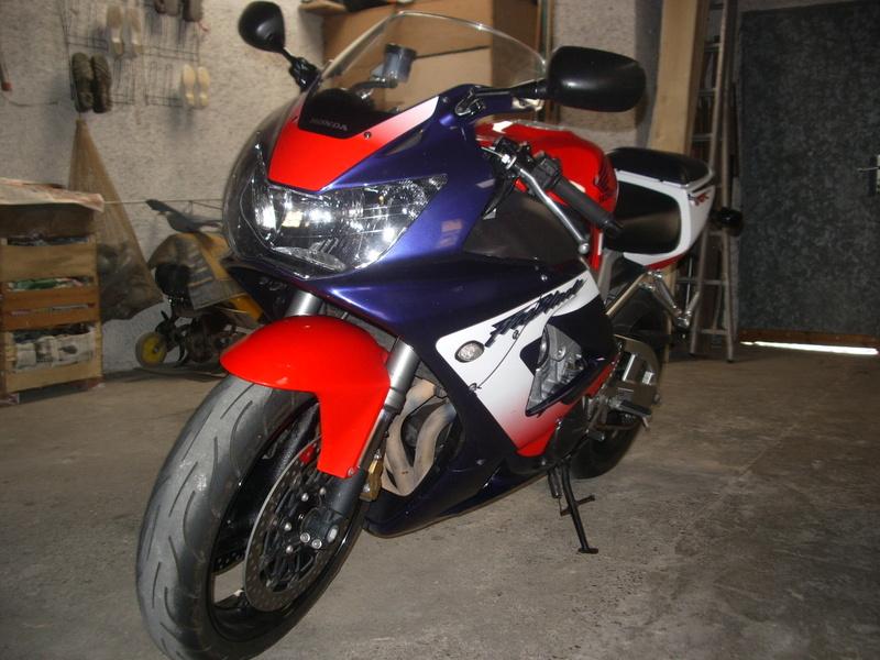 Honda 900 CBR RR piste Photo015