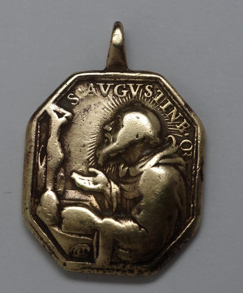 Superbe médaille St-Augustin - Atelier italien Hamerani - fin XVII/début XVIIIème St_aug10