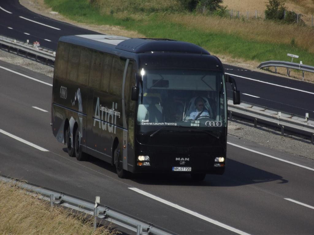 Bus de chez AUDI Photos24