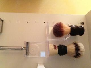 Photos de votre armoire spéciale rasage (ou de la partie réservée au rasage) - Page 3 Image15