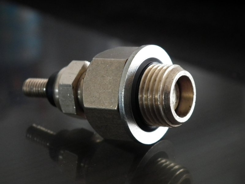 Sonde de température d'eau Renault sur CJ7 2.1L D et 2L Ess - Page 2 Dscf1111