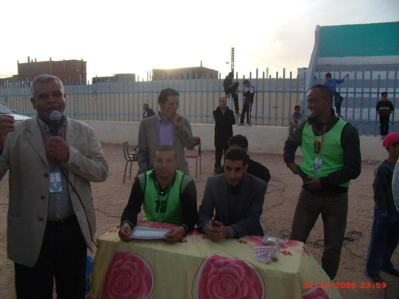 صور حفل تكريمي لقدماء لاعبي فريق الابيض سيدي الشيخ  15521210