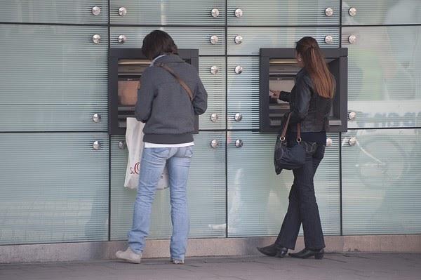 pour - Chypre : report du débat parlementaire sur le plan d'aide Bankco10