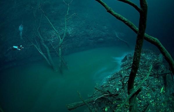 Incroyable : ils ont découvert une rivière dans l'eau !  Ur4-1-10