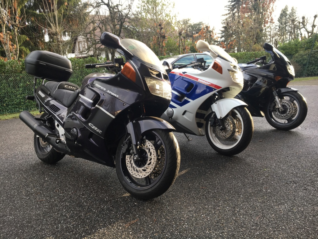 Y a-t-il des motards ici ? - Page 16 Img_3411