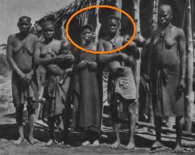 Makonde people, Diviner's Horn (Féticheur), Mtete,  Mueda plateau, southeast Tanzania and northern Mozambique Makond10