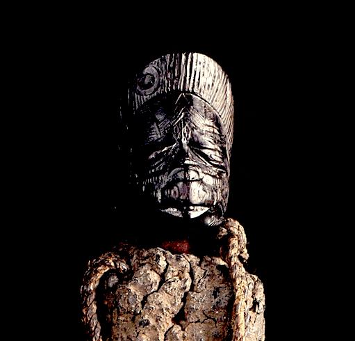 Makonde people, Diviner's Horn (Féticheur), Mtete,  Mueda plateau, southeast Tanzania and northern Mozambique Makond11