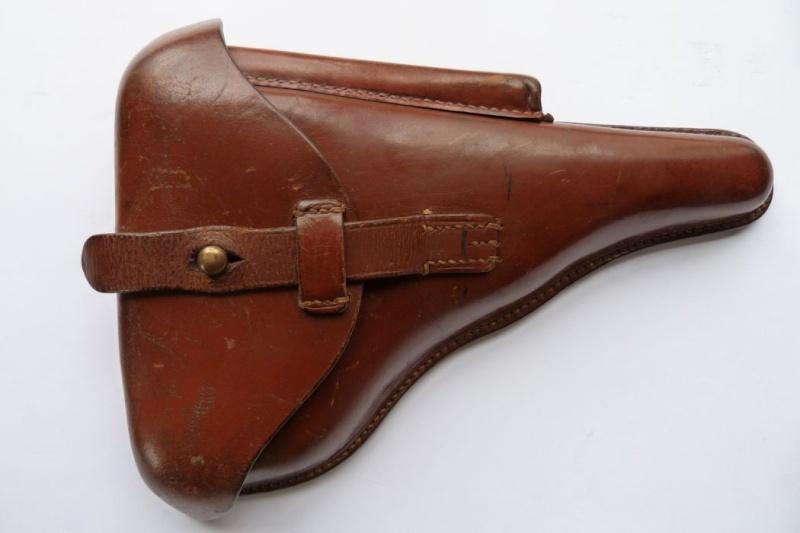 """Un Luger Mauser """"banner"""", de police, daté 1939. Holste10"""