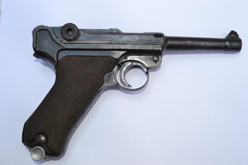 """Un Luger Mauser """"banner"""", de police, daté 1939. Intern11"""