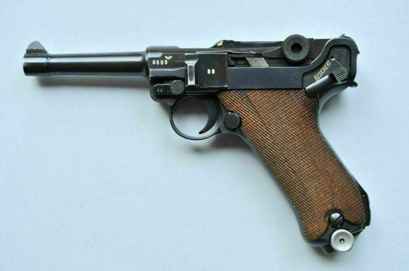 """Un Luger Mauser """"banner"""", de police, daté 1939. Mauser10"""