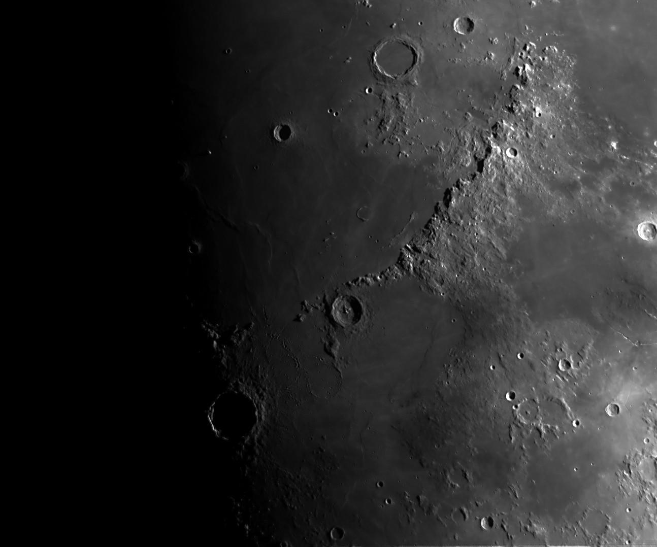 La Lune - Page 25 Alpes10