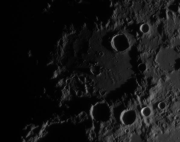 La Lune - Page 24 Hippar10