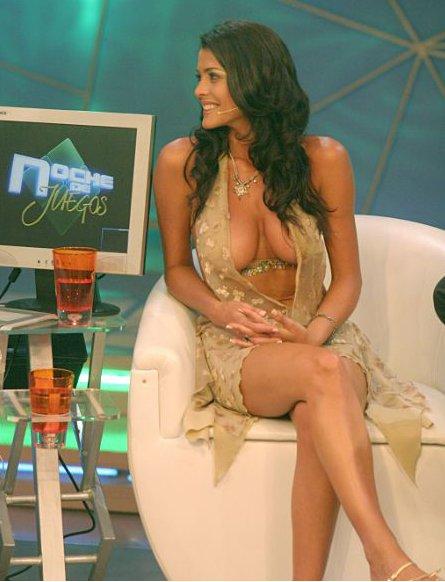Voici la présentatrice sur une chaîne de  sport espagnole et le Francais  Image148